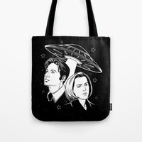 mulder Tote Bags featuring Mulder and Scully by Jamie Leonard