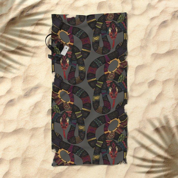 geo snakes lead Beach Towel
