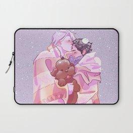 Viktuuri winter hug Laptop Sleeve