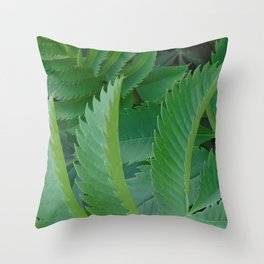 Serrated leaves Throw Pillow