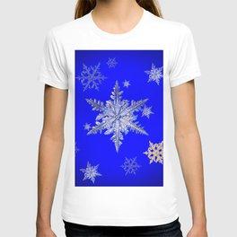 """""""MORE SNOW"""" BLUE WINTER ART DESIGN T-shirt"""