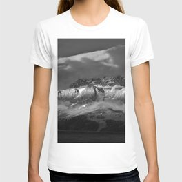 Alps di Siusi, Sun and Shadows Selva di Val Gardena, Italy black and white photograph / art photography T-shirt
