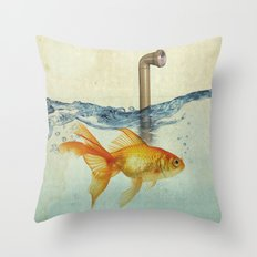 periscope goldfish Throw Pillow