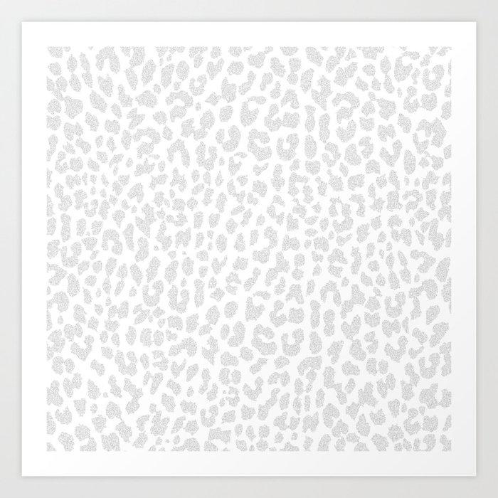 Pale Gray Leopard Kunstdrucke