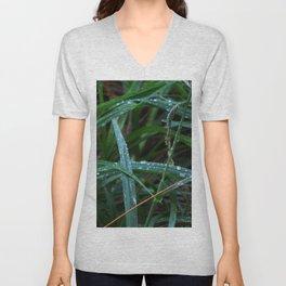 Dewdrop Grass Unisex V-Neck