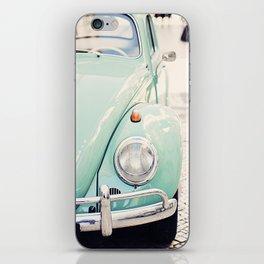 Escarabajo turquesa. iPhone Skin