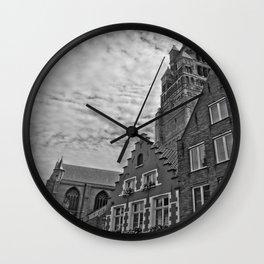 Overseen Wall Clock