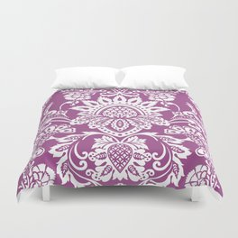 Damask in cyclamen Duvet Cover