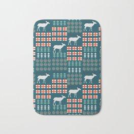 Cheerful Christmas pattern with deer Bath Mat