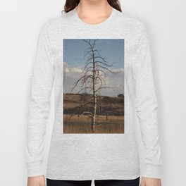 Old Straight Tree in Golden Field Long Sleeve T-shirt