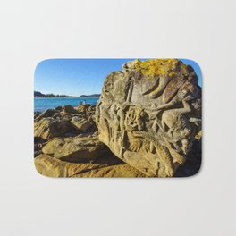 Rock Sculpture, Palm Beach, Sydney Bath Mat