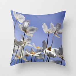 Anemonenhimmel Throw Pillow