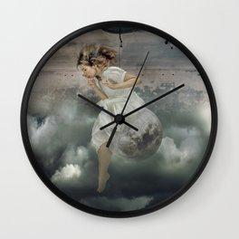 Sentada en la Luna Wall Clock
