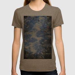 lightening bolt T-shirt