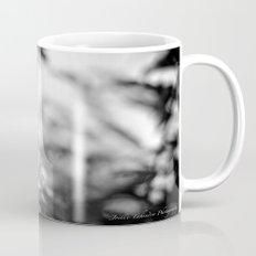 Papillion en  Noir Mug
