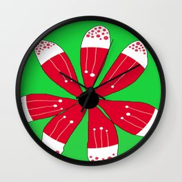 FLOWERY BRITTAS / ORIGINAL DANISH DESIGN bykazandholly Wall Clock