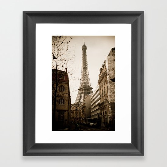 Le Tour Eiffel Framed Art Print