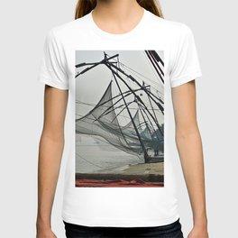 Chinese Fishing Net Kerala India T-shirt