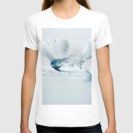 Iceberg blue lagoon Icelandic travel photography T-shirt