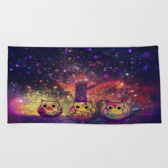 owl space-409 Beach Towel