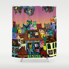 Cat's in the city Shower Curtain