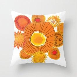 soles naranjas Throw Pillow