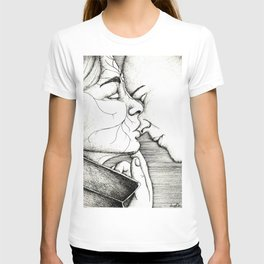 Kiss on the nose T-shirt
