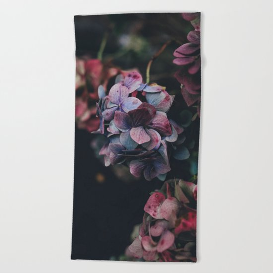 FLOWERS - FLORAL - PINK - RED - PHOTOGRAPHY Beach Towel