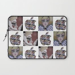 ALICE AND THE QUEEN Laptop Sleeve