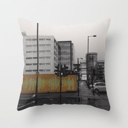 Another 'man' in the wall @Glasgow Throw Pillow