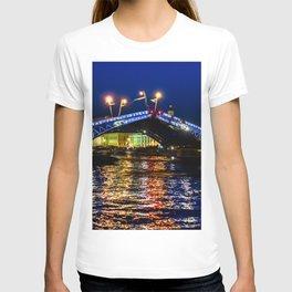 Raising bridges in St. Petersburg T-shirt
