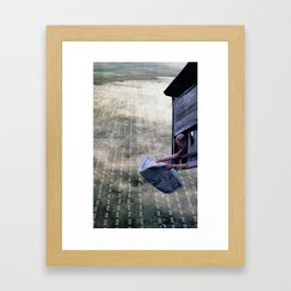 Pássaro Framed Art Print