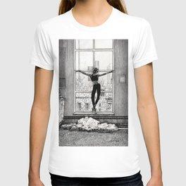 ballerina 3 T-shirt