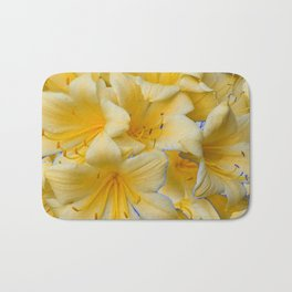 IVORY COLOR CLIVIA FLOWERS Bath Mat