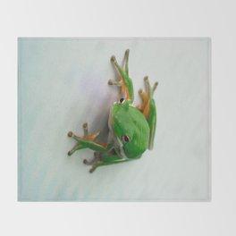 Green Tree Frog Throw Blanket