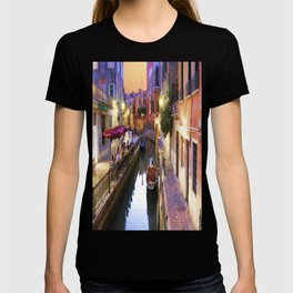 Sunset Alley In Venice Italy T-shirt
