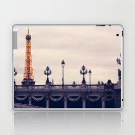 la tour eiffel Laptop & iPad Skin