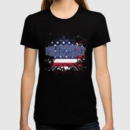 Craftsman Tradesperson Gift Patriotic American Millwright USA America Flag T-shirt