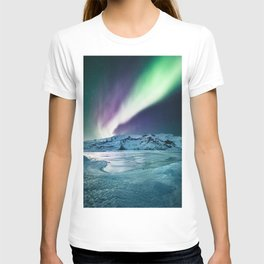 aurora in iceland T-shirt