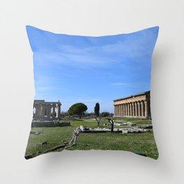 templi di paestum Throw Pillow