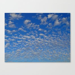 So many Clouds Canvas Print