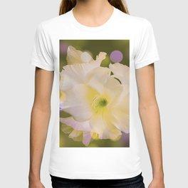 Sword Lily Green Bokeh T-shirt
