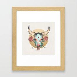 cráneo de vaca Framed Art Print