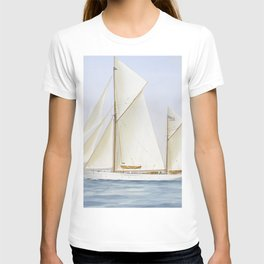 Vintage Racing Ketch Sailboat Illustration (1913) T-shirt