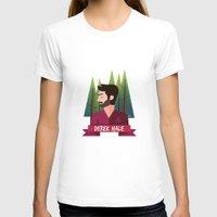 derek hale T-shirts featuring DEREK HALE - FORREST by UniversoAlternativo