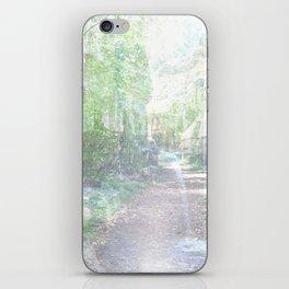 il bosco fatato iPhone Skin
