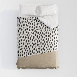 Dalmatian Spots with Tan Stripe Comforters