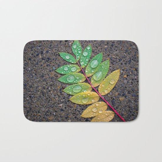Raindrop Leaf Bath Mat