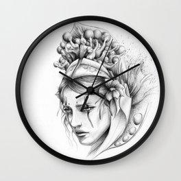 Las ideas de Alena Wall Clock