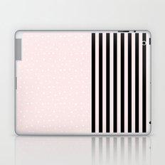 C'est très chic, mon amour Laptop & iPad Skin